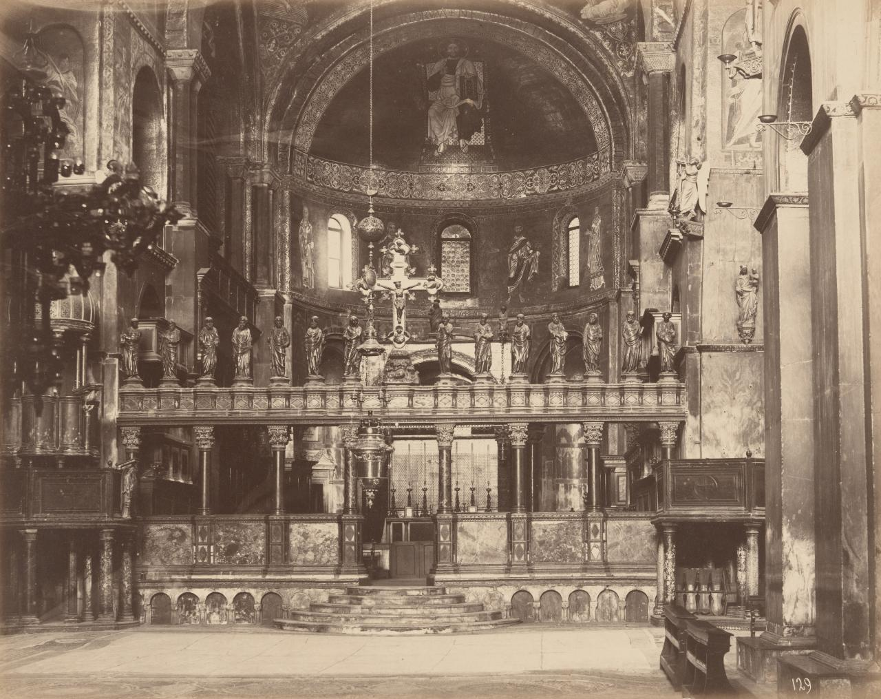 Grand screen in St Mark's and apse
